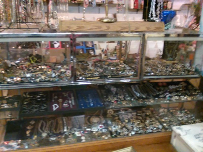 Costume Jewelry @ Cheap Vintage Lomita Torrance Long Beach Los Angeles